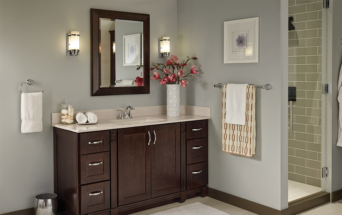 Bathroom layout with Sanabelle Java cabinets